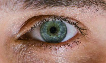 Dormir avec des lentilles de contact ? Avantages et inconvénients